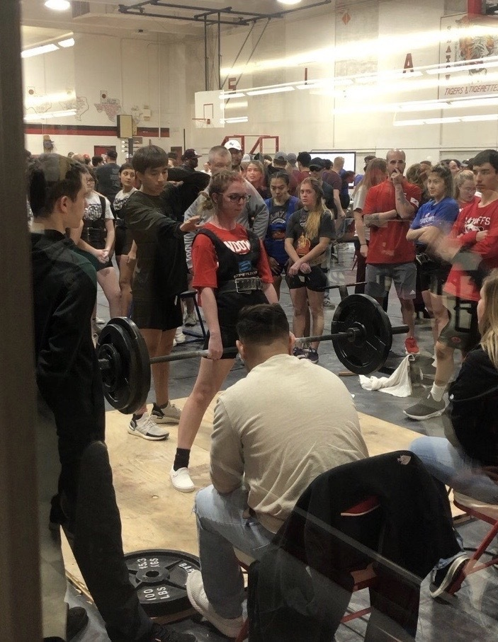 Roughette Powerlifters Place 3rd at Slaton Meet